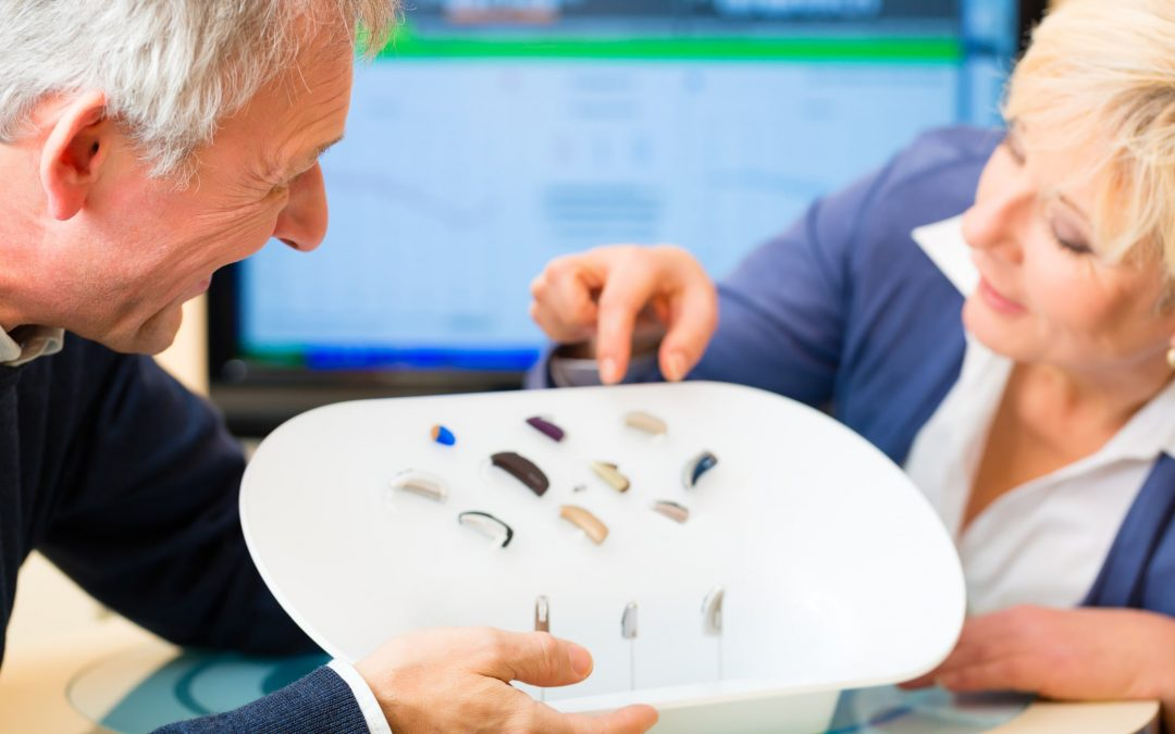 What are the types of digital wireless hearing aids?